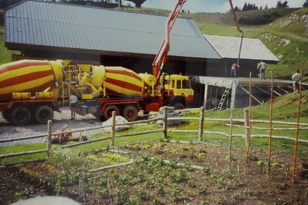 1990 - construction locaux technique