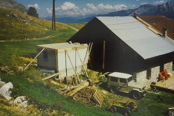 1988 - Construction bloc sanitaire