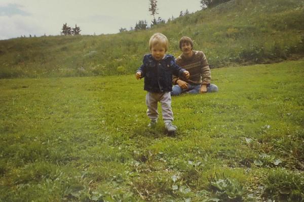 1989 - patrick et damien devant le refuge