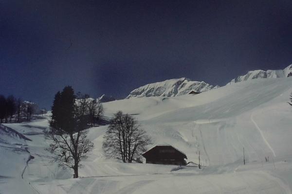 1986 - piste de ski entourant le refuge
